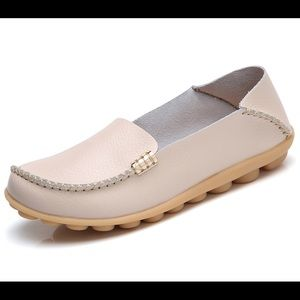 Womens Natural Comfort Walking Flat Loafer
